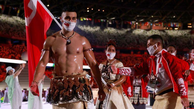 tongan flag bearer at tokyo olympics opening ceremony