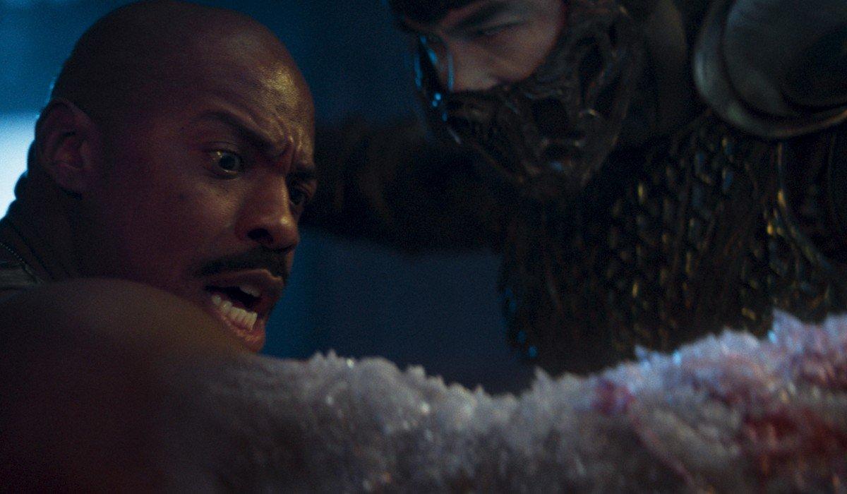 Jax getting his arm frozen off by Bi-Han Mortal Kombat