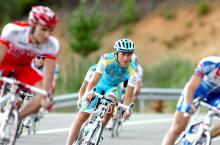 Fredrik Kessiakoff (Astana) is just 9 seconds off the overall lead.