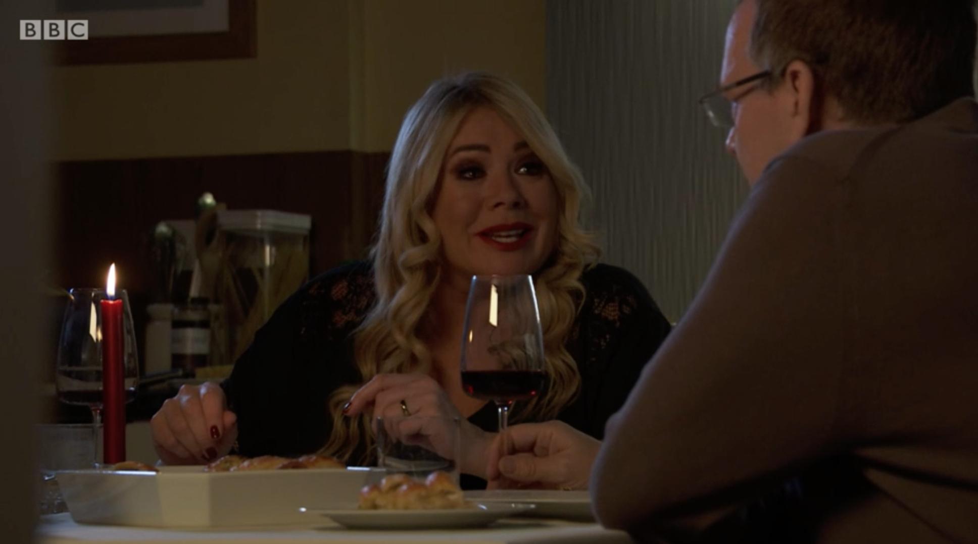 Sharon intenta matar a Ian EastEnders