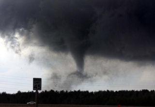 tornado-merrill-wisconsin-110414-02