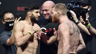 UFC 257 Prelims Arman Tsarukyan faces Matt Frevola at Weigh In