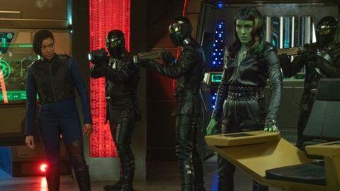 Michael (Sonequa Martin-Green) and Osyraa (Janet Kidder) in 'Star Trek: Discovery'.