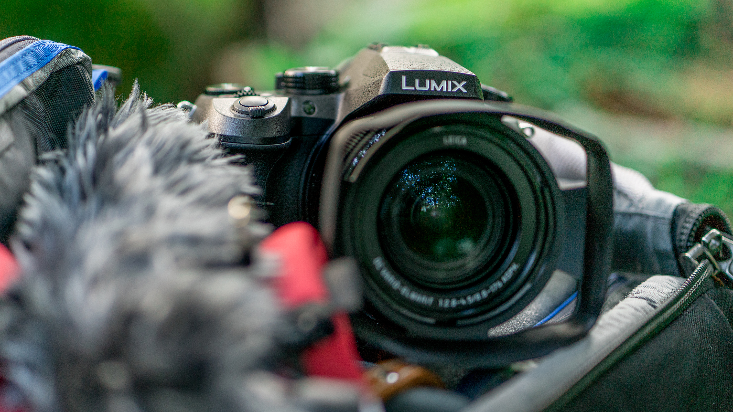 Best compact camera: Panasonic Lumix FZ2000