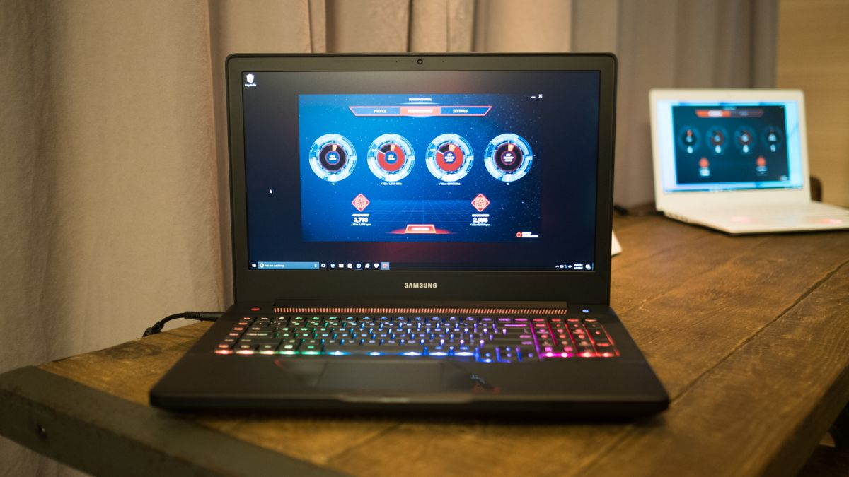 Best Convertible Laptop >> First Look: Samsung NoteBook Odyssey 17 | TechRadar