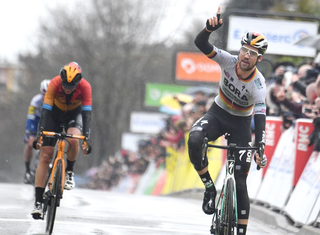 Max Schachmann wins stage 1 at Paris-Nice