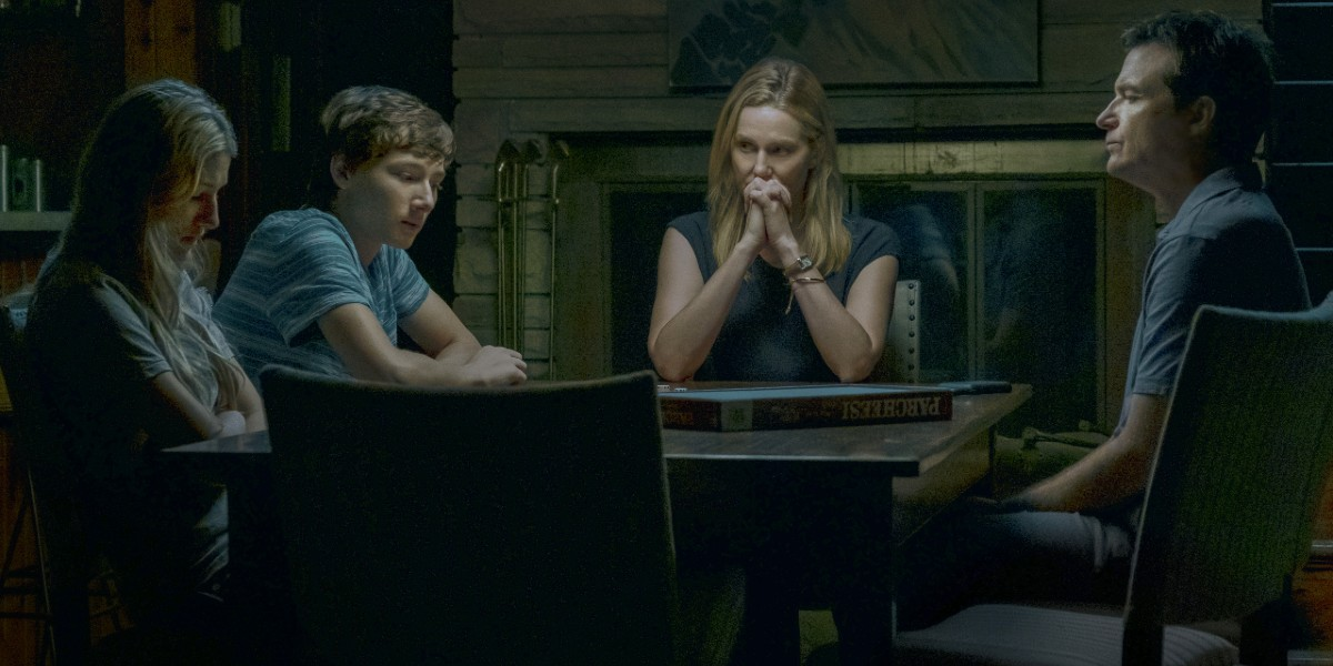 Jason Bateman, Laura Linney, Skylar Gaertner, and Sofia Hublitz in Ozark