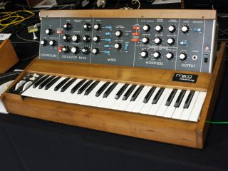 10 steps to scorching '70s synth sounds