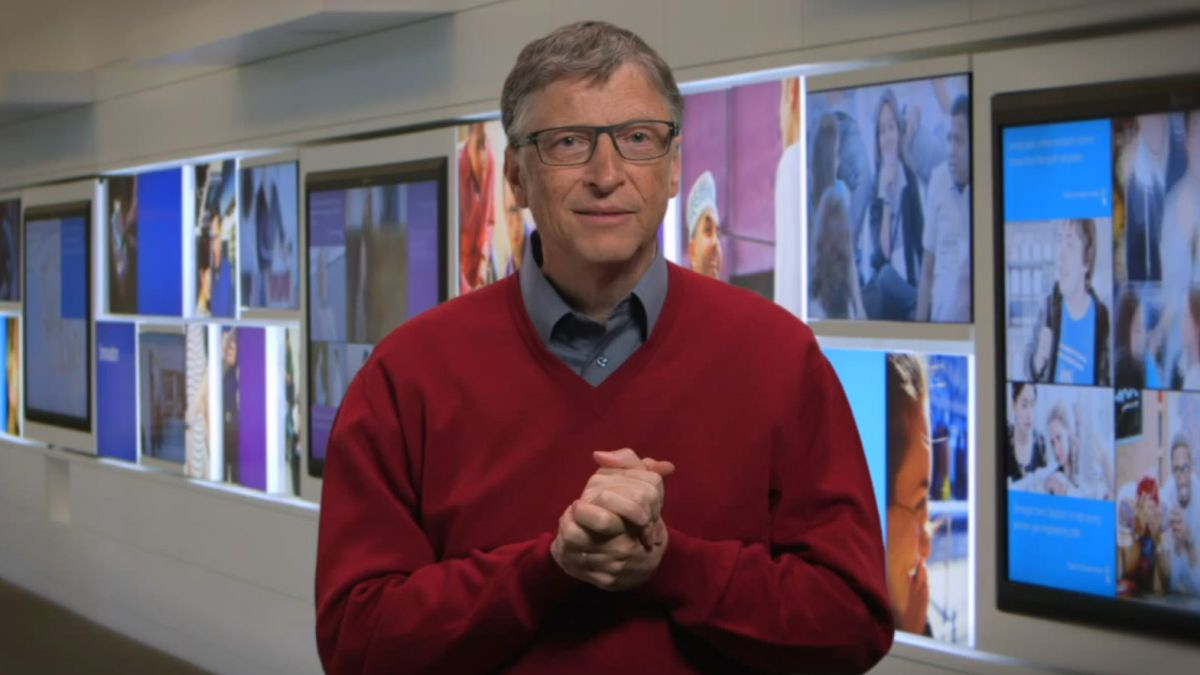 Bill Gates leaves Microsoft board of directors, signaling the end of an era