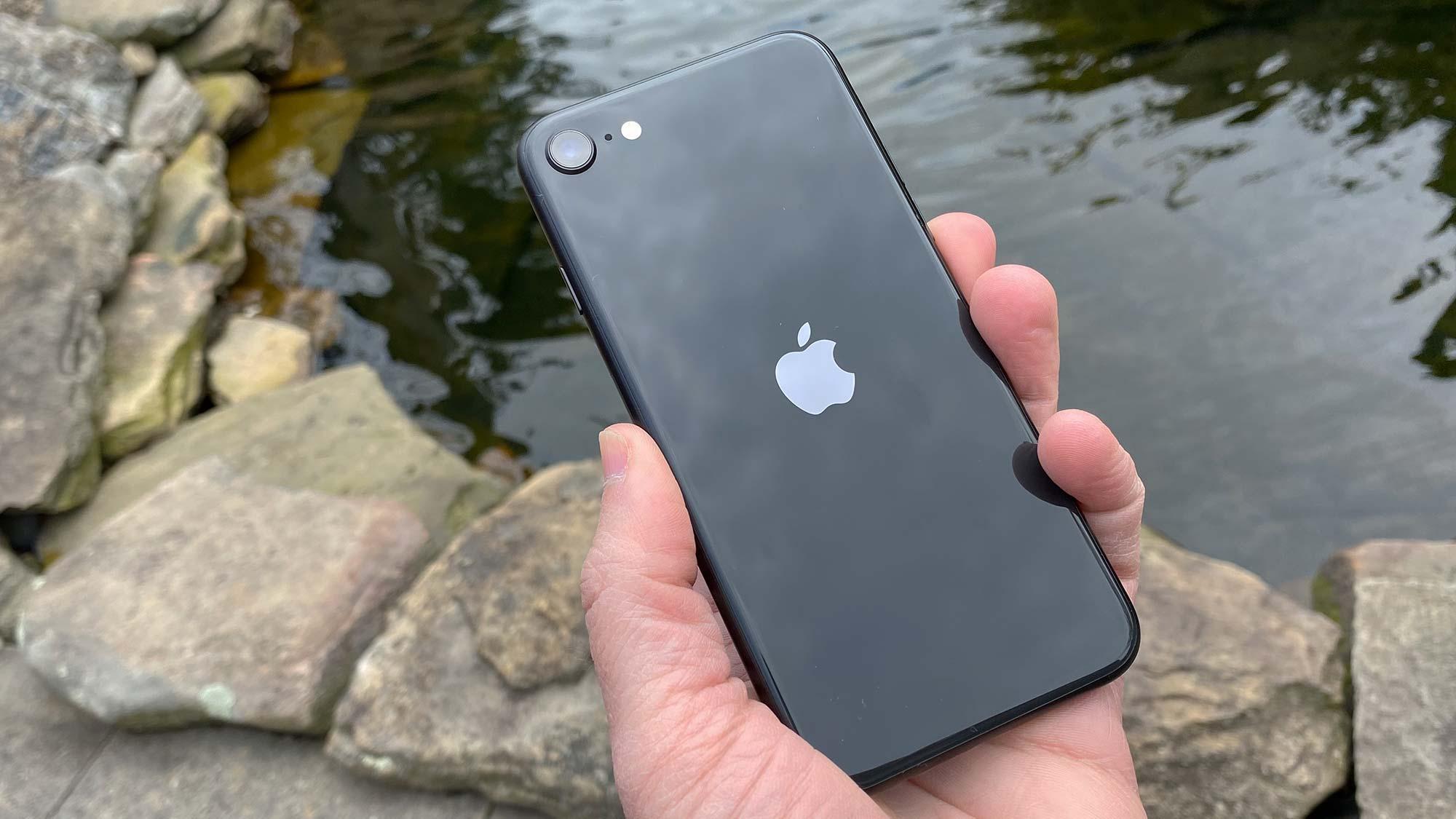 Best camera phone: iPhone SE 2020