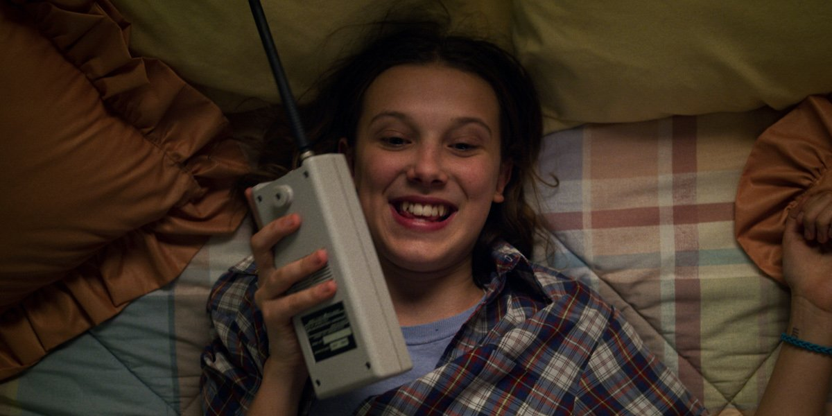 stranger things season 3 eleven on radio
