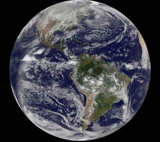earth-full-2010-101231-02