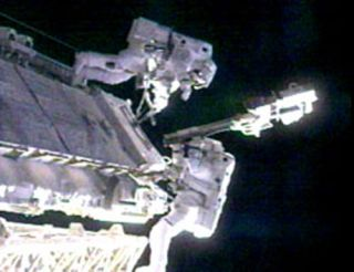 ISS Astronauts Install New Camera, Discard Probe in Spacewalk