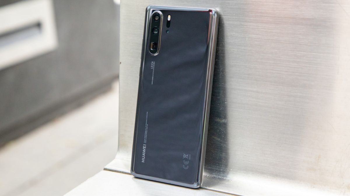 on sale a52ae 44a8b Best Waterproof and Water-Resistant (IP 67/68/+) Phones of 2019 ...