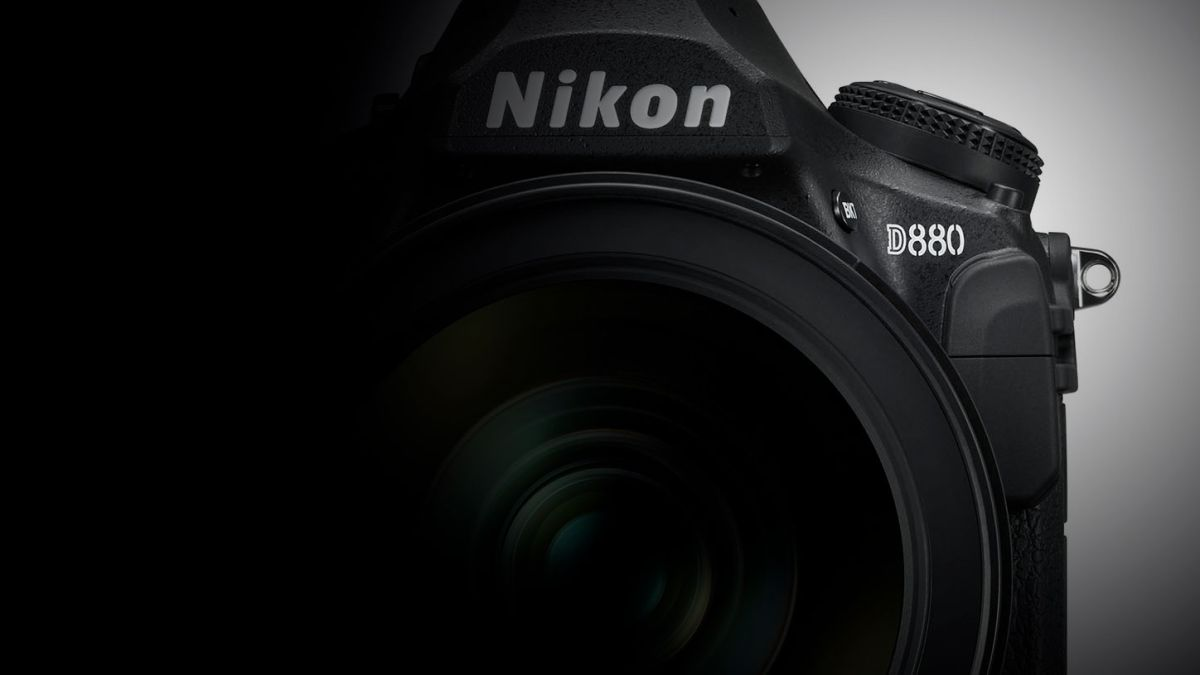 After the Nikon D780, the Nikon D880 must happen! We actually can't wait