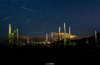 Astrophotographer Sean Parker captured this composite view of the amazing Draconid meteor shower of 2015 during his night sky workshop in Tucson, Arizona. The 2018 Draconid meteor shower peaks overnight on Oct. 8 and 9.