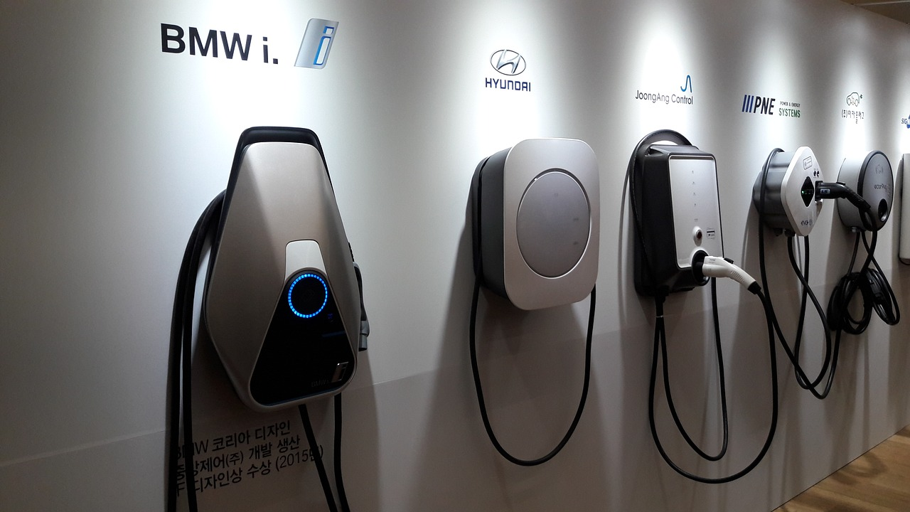 Electric Vehicle Charging Infrastructure And The Cloud So Many Possibilities Much Risk