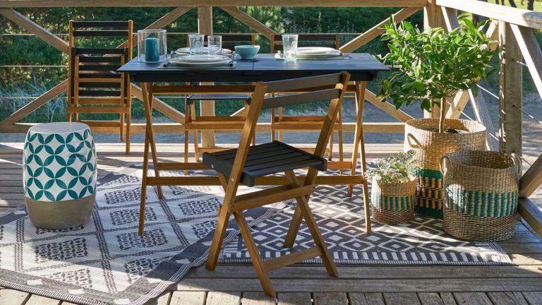 Myrton 5-Piece La Redoute Garden Furniture Set in garden on rug