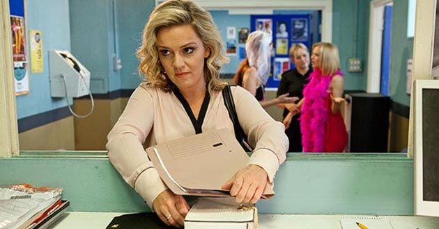 Joanne Cardsley plants drugs on Mercedes McQueen in Hollyoaks.