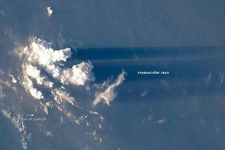 crepuscular-rays-111031-02