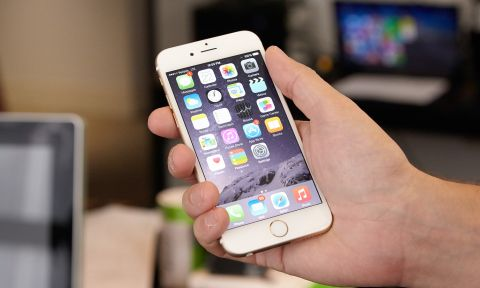 iPhone 6 Smartphone Review - Just Right | Tom's Guide