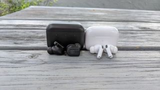 Master & Dynamic MW08 vs. Apple AirPods