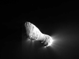 This is another of the first images sent back to Earth from the NASA's EPOXI mission after it flew by comet Hartley 2 around 7 a.m. PDT (10 a.m. EDT) on Nov. 4, 2010.