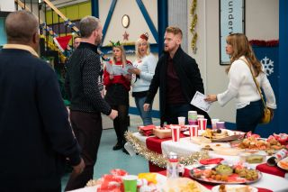Coronation Street spoilers: Gary Windass drops a bombshell at the factory…