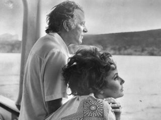 TV tonight Elizabeth Taylor: A Life in Ten Picture