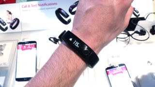 LG LifeBand and heart rate monitoring earphones pegged for April release in UK