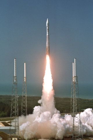 Atlas 5 Rocket Launches European Satellite into Orbit