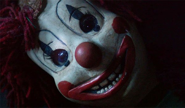 This Clown On The Poltergeist Poster Is Really Creepy Cinemablend
