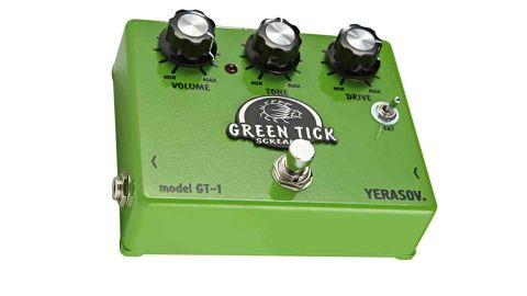 This goes beyond the basic Tube Screamer design to include a Fat switch alongside the volume, tone and drive knobs