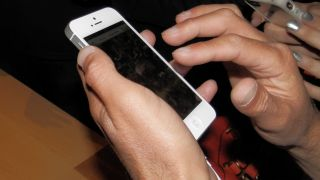 Apple iPhone 5 pre-orders hit 2 million in 24 hours