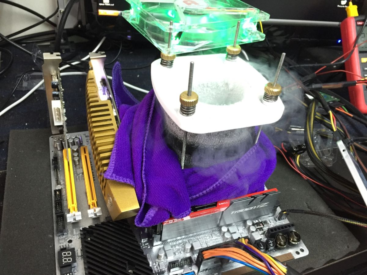 The World Record Skylake Overclock Is An Insane 7ghz Pc