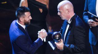 Leo Messi Infantino FIFA