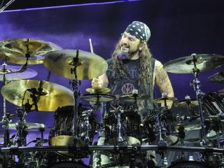 Mike Portnoy brought his 'Mob' to New York for their first show - and the Mob ruled!