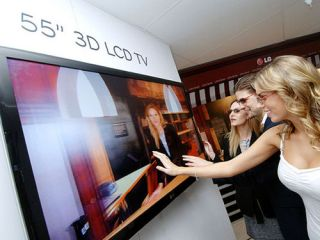 LG pulls 3D TV from consumer launch
