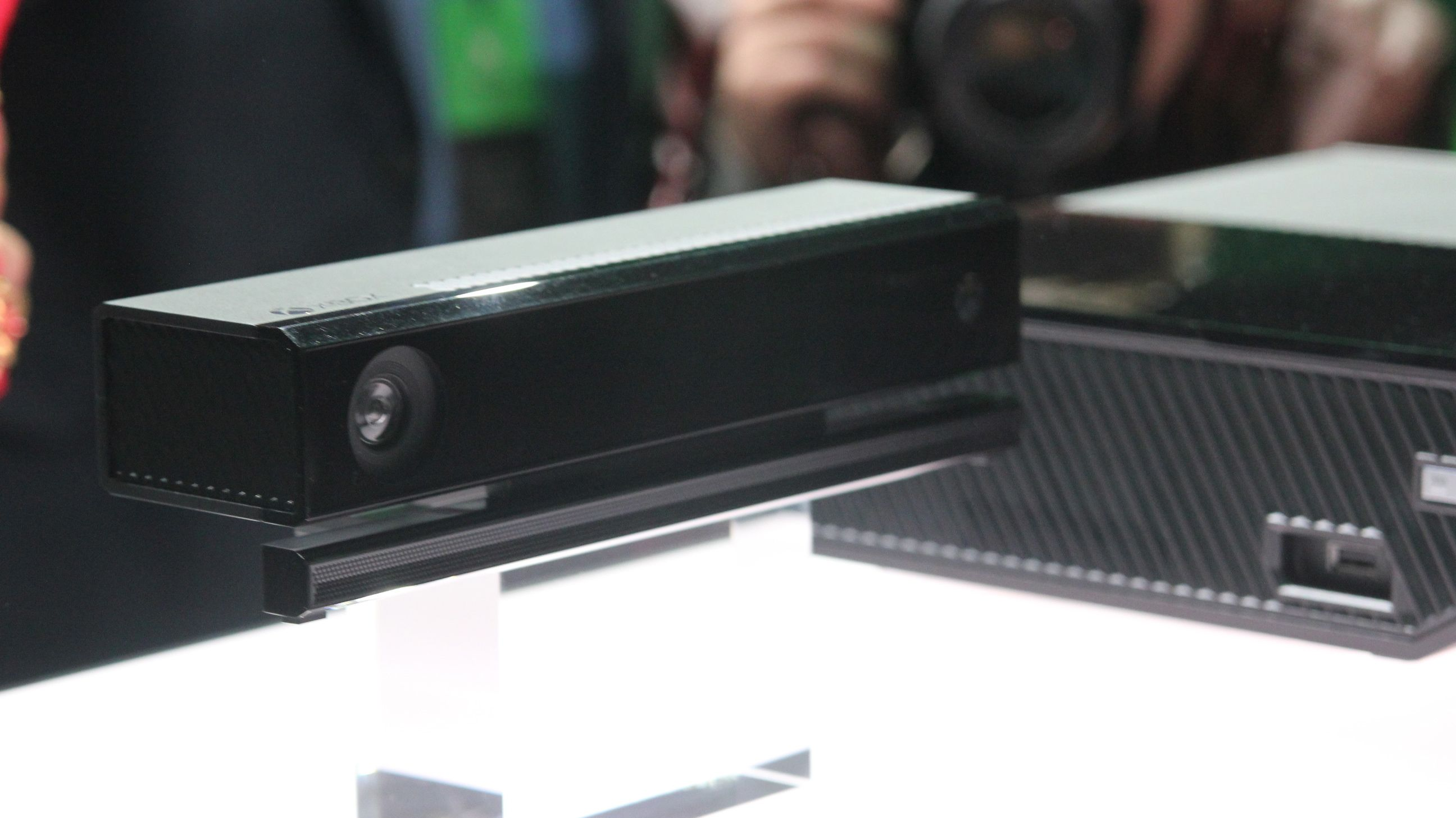 Xbox One Kinect to fly solo on the sales rack beginning in October ...