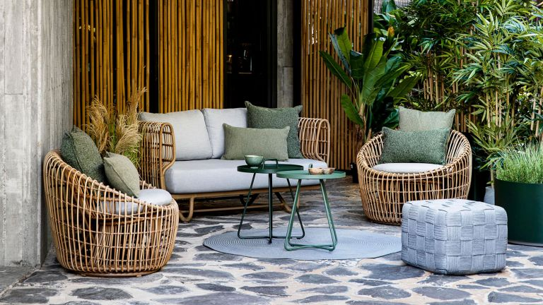 protect your garden furniture from spills