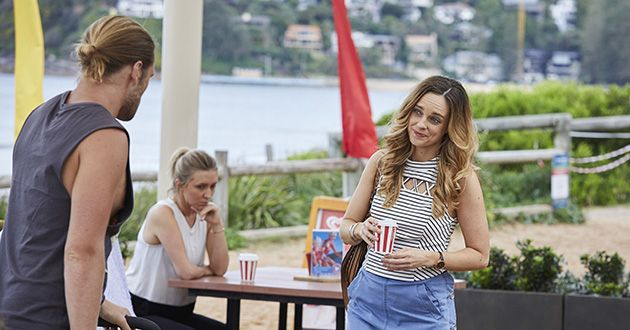 Ash (Martin Ashford) and Tori Morgan, have an awkward encounter after the night before in Home and Away.