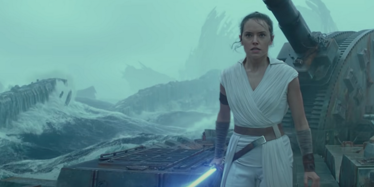 Kylo Ren and Rey lightsaber fight in Star Wars: Rise of Skywalker