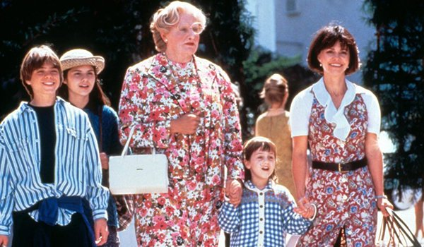 Robin Williams breaking laws while fighting with Sally Field in Mrs. Doubtfire