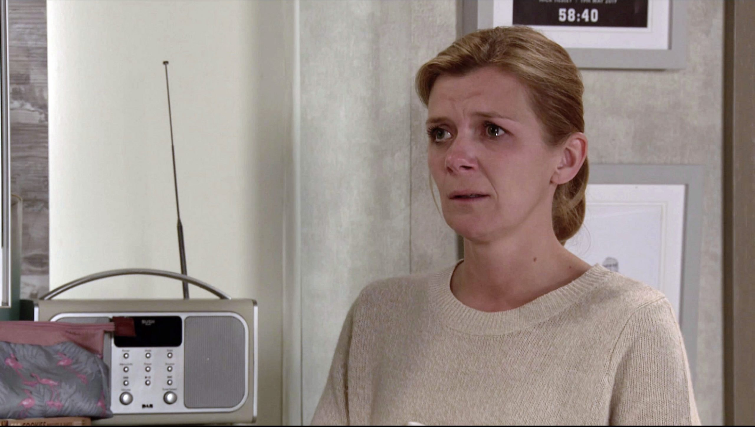 Leannes se rompe tras despedirse de su hijo