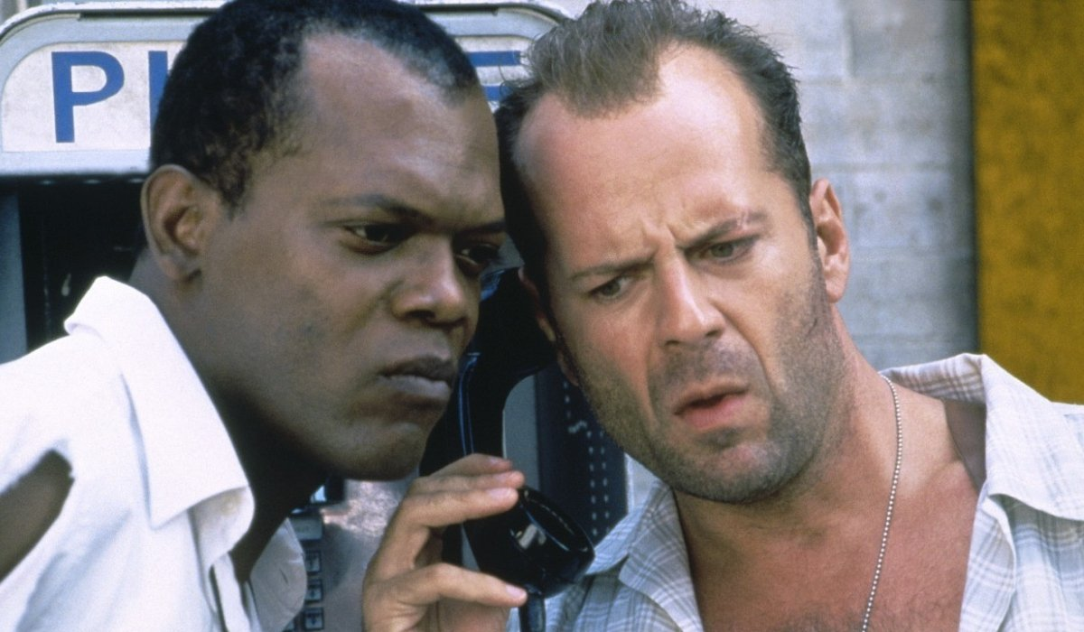 Die Hard with a Vengeance Samuel L. Jackson and Bruce Willis listen in on a phone call