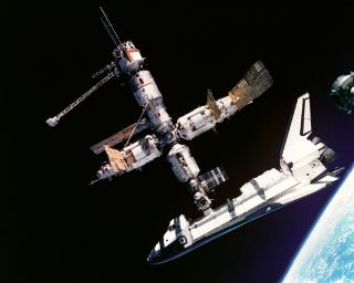 space history, nasa, mir, space station