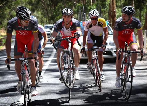 Tomas Vaitkus pulls a wheelie, Lance Armstrong, Tour Down Under 2010