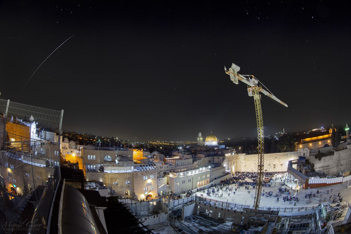 International Space Station Streaks Across Jerusalem's Night Sky (Photo)