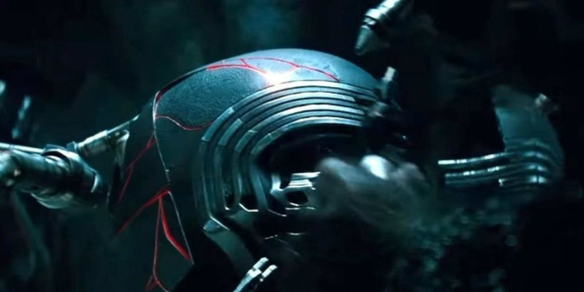 Kylo ren's helmet in Rise of Skywalker