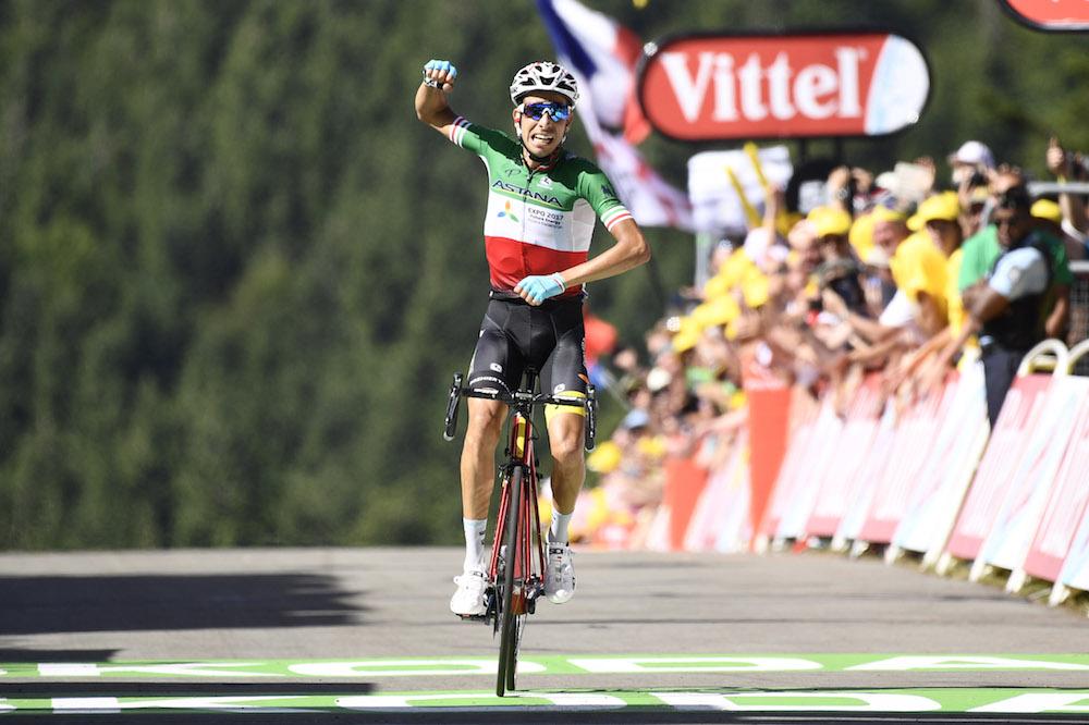 Fabio Aru wins on summit finish of Tour de France stage five as ... dacf611ac